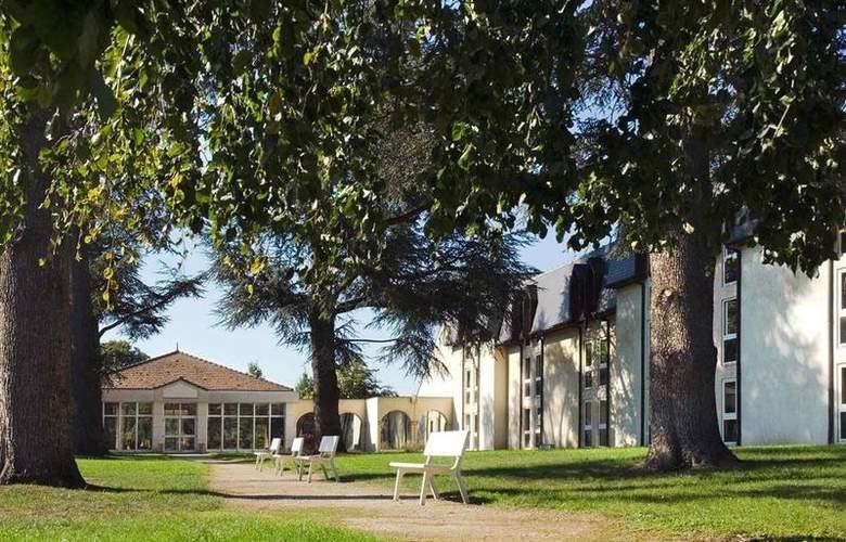 Mercure Le Coudray Montceaux Parc du Coudray - Hotel - 38