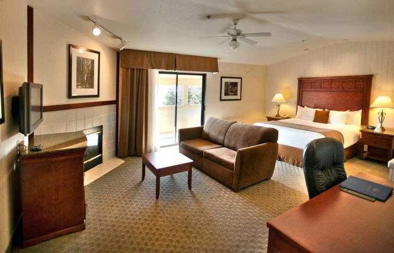 Best Western Plus Forest Park Inn - Hotel - 10