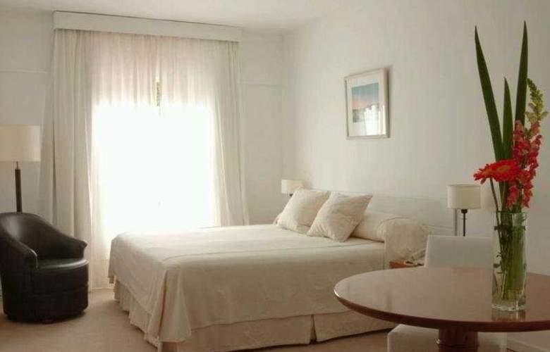 Loi Suites Arenales - Room - 6