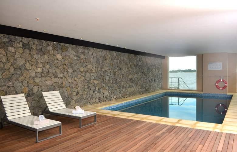 Radisson Colonia del Sacramento Hotel & Casino - Pool - 0