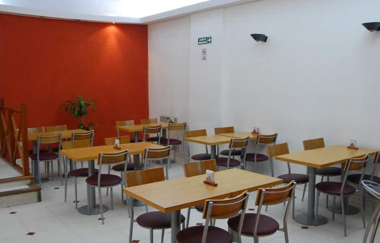 Gran Hotel Orly - Restaurant - 66