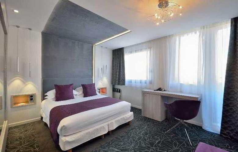 Cezanne - Room - 2