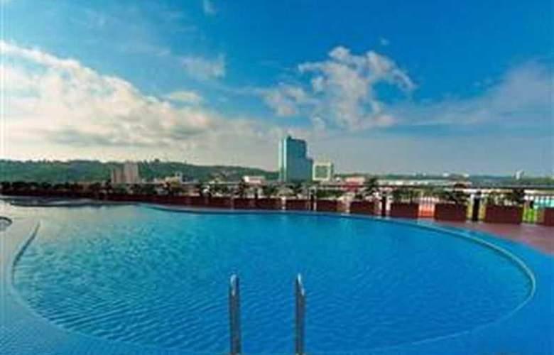 Mega Hotel Miri - Pool - 3