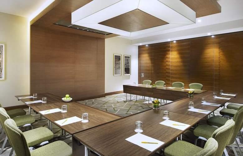 Hilton Garden Inn Dubai Al Muraqabat Hotel - Conference - 5