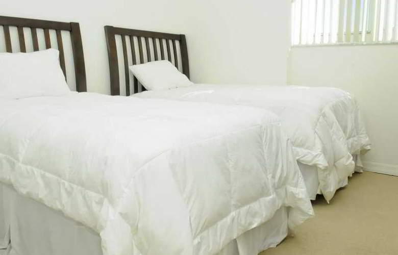3 Bedroom Condo with Towering Views - Room - 5