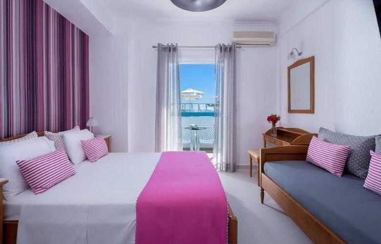 Santellini Hotel - Room - 9