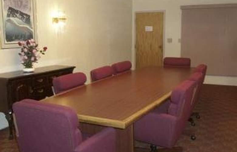 Quality Inn & Suites Indianapolis - General - 1