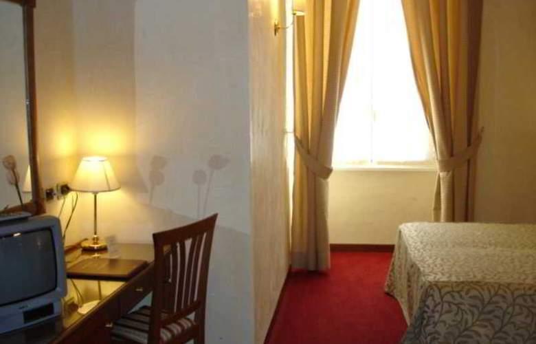 Solis - Room - 2