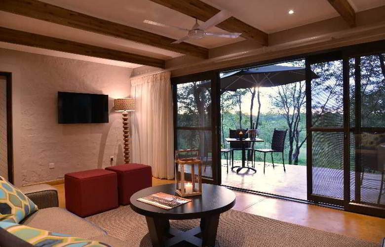 Victoria Falls Safari Suites - Room - 0