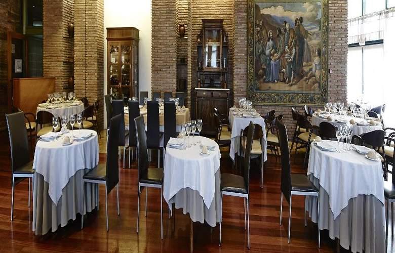 Carris Alfonso IX - Restaurant - 19