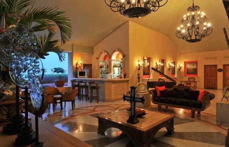 Marina Fiesta Resort & Spa All Inclusive - Bar - 15