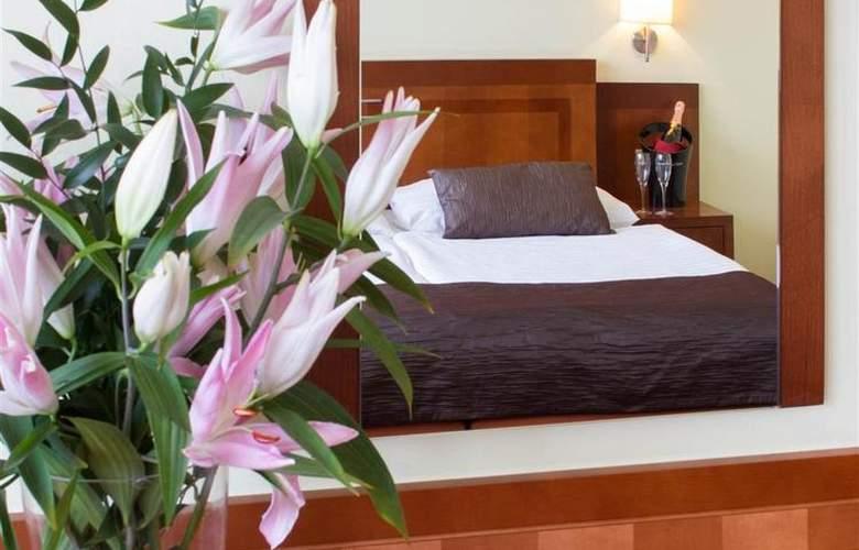 Luxury Family Hotel Bílá Labut - Room - 65