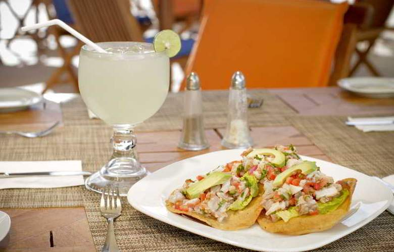 Crowne Plaza Resort Mazatlan - Restaurant - 50