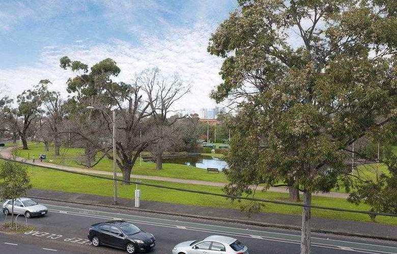Best Western Melbourne's Princes Park Motor Inn - Hotel - 13