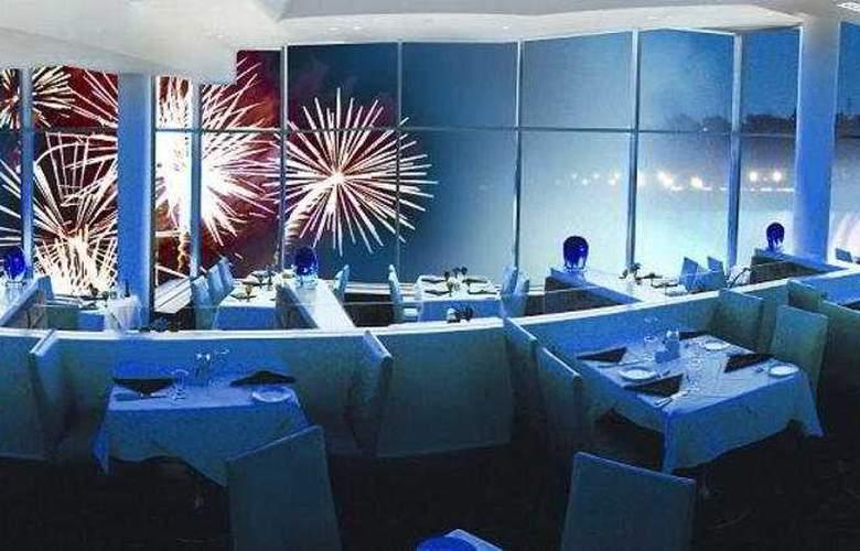 Hilton Hotel & Suites Niagara Falls/Fallsview - Restaurant - 8