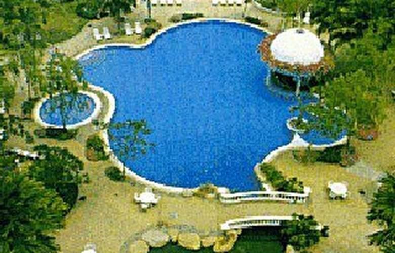 Everly Resort Hotel Malacca - Pool - 2