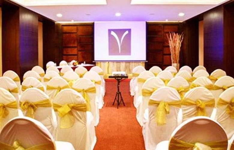 Yogi Metropolitan - Conference - 3