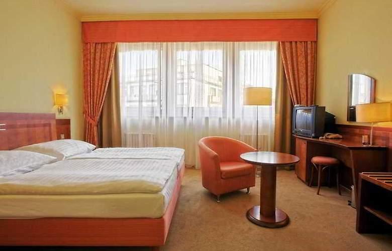 Luxury Family Hotel Bílá Labut - Room - 4