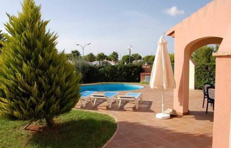 Maribel Villas - Pool - 4