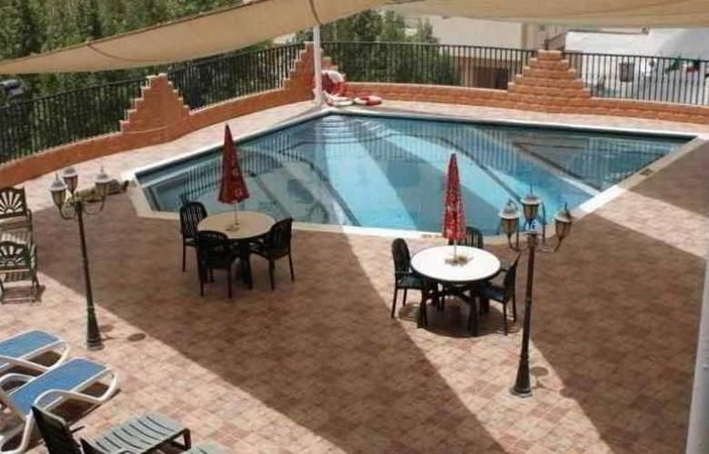 Panorama Bahrain - Pool - 10