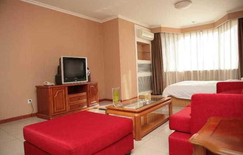Sentury Apartment - Room - 8