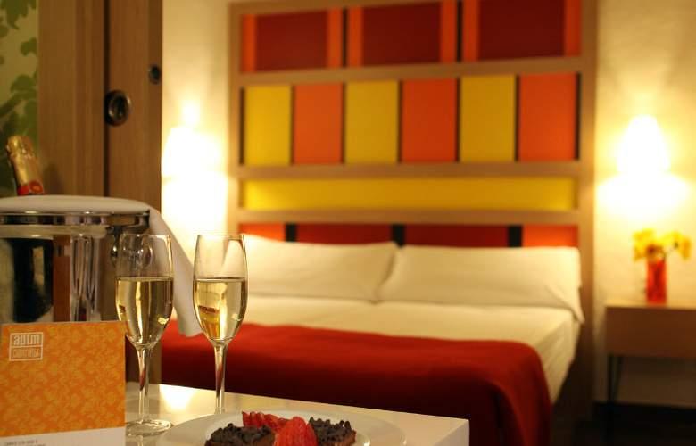 Ciutat Vella Apartments - Room - 4