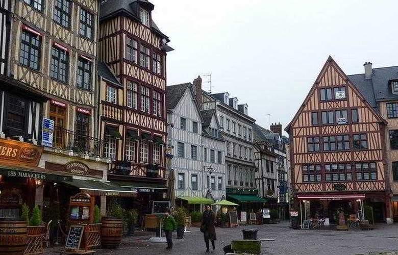 Du Vieux Marche - Hotel - 12