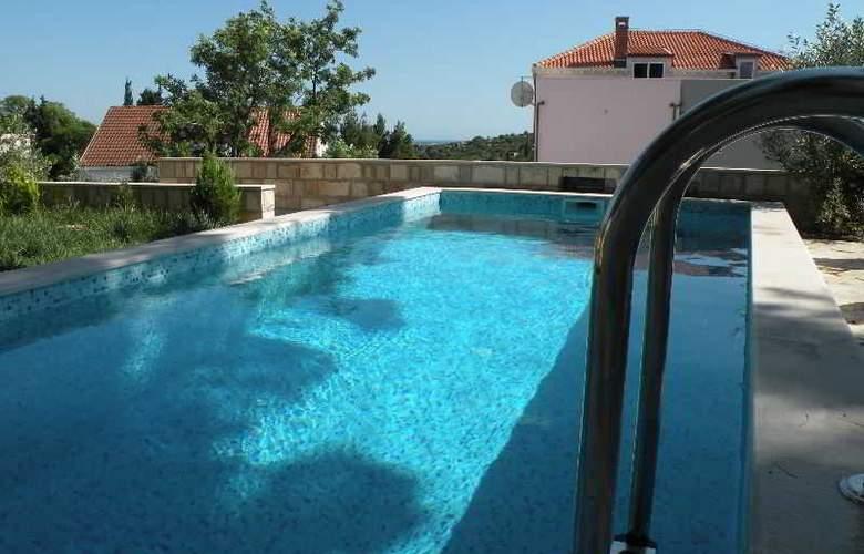 Villa Avantgarde - Pool - 3