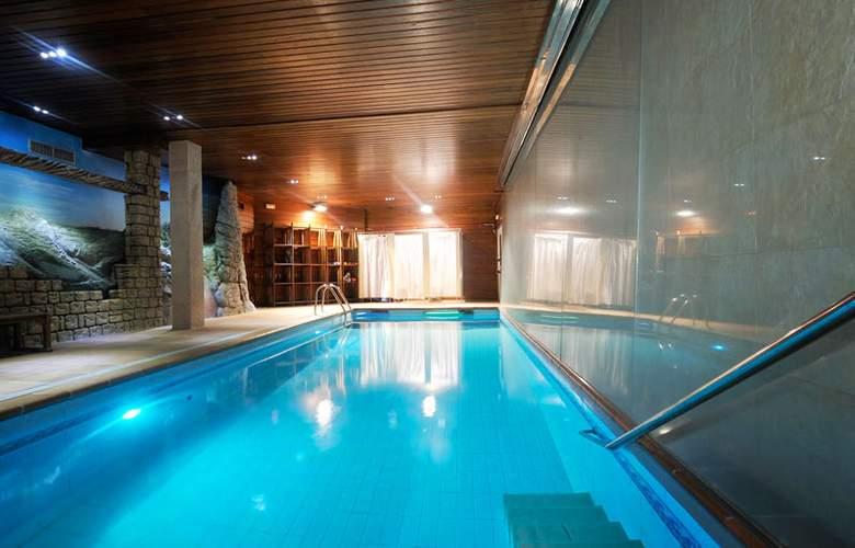 Muntanya & SPA Hotel - Pool - 20