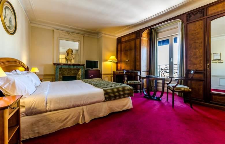 Langlois - Room - 8