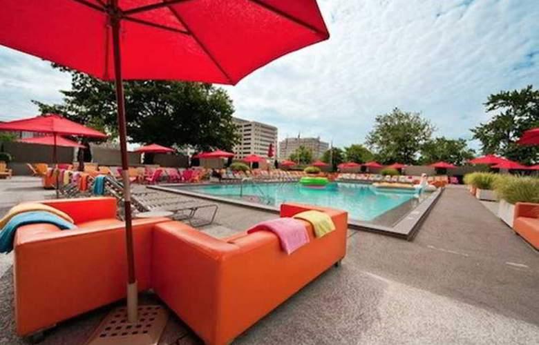 Capitol Skyline Hotel - Pool - 0