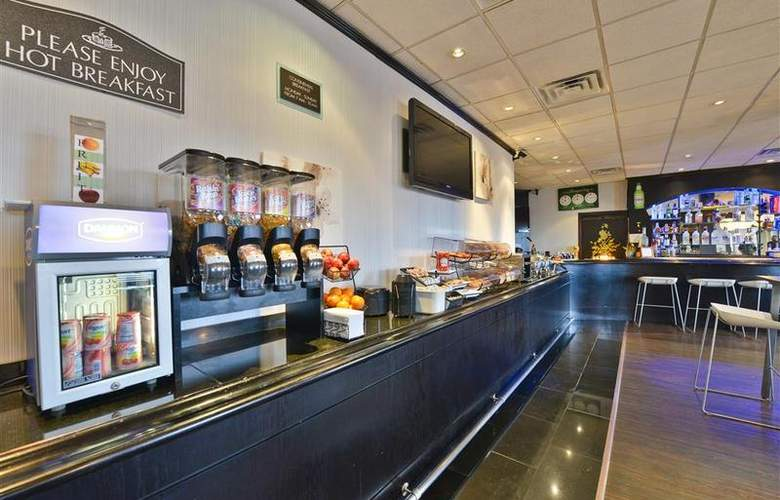 Best Western Plus Newark Airport West - Restaurant - 104