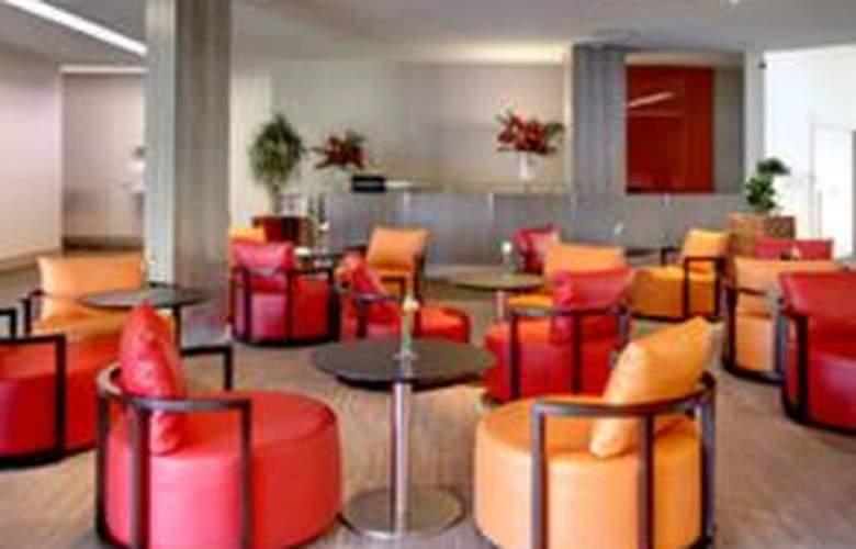 Holiday Inn Paris Val De Bievre - Hotel - 0