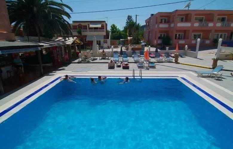 Olga's Apartments - Pool - 5