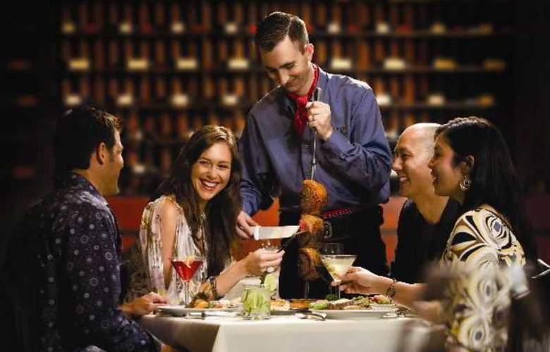 Hilton Hotel & Suites Niagara Falls/Fallsview - Restaurant - 26