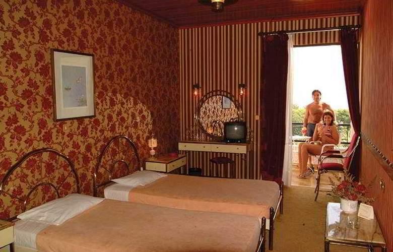 Magna Graecia - Room - 2