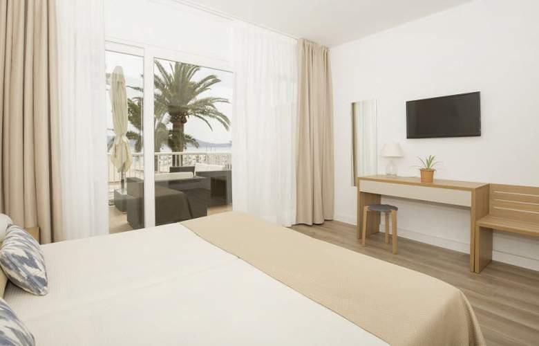 Romantic Hotel - Room - 8
