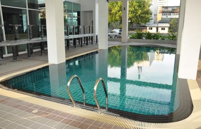 Demeter Residences Suites Bangkok - Pool - 3
