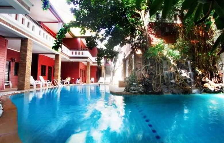 Jang Resort - Pool - 10