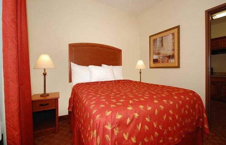 Best Western Plus San Antonio East Inn & Suites - Hotel - 17