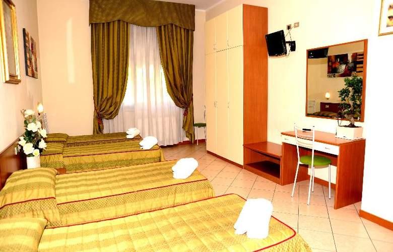 San Siro Fiera - Room - 17