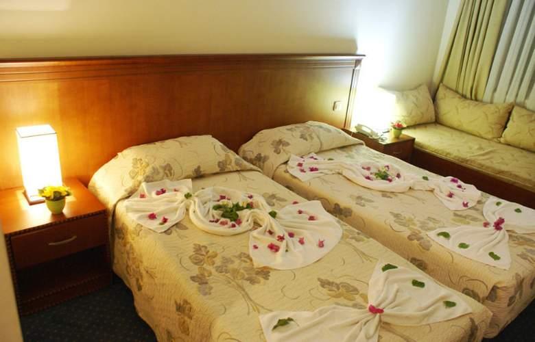 Santa Marina Hotel - Room - 4