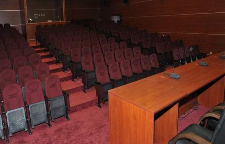 Atrium - Conference - 11