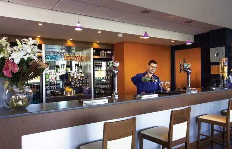 Travelodge Liverpool John Lennon Airport - Bar - 2