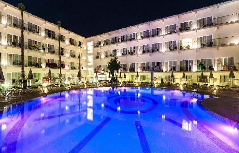 Globales Playa Estepona - Pool - 32