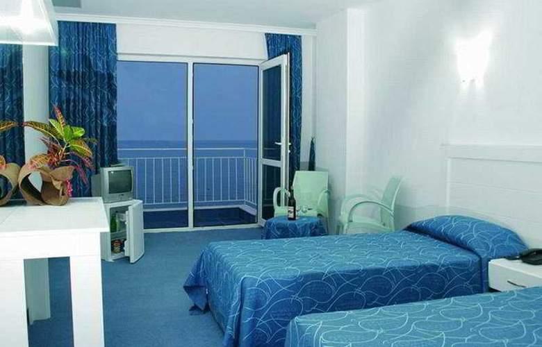 Kristal Beach Hotel - Room - 0