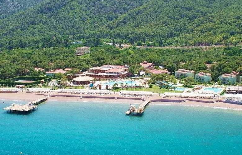 Crystal Flora Beach Resort - Hotel - 0