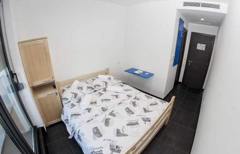 Hostel Moving - Room - 11