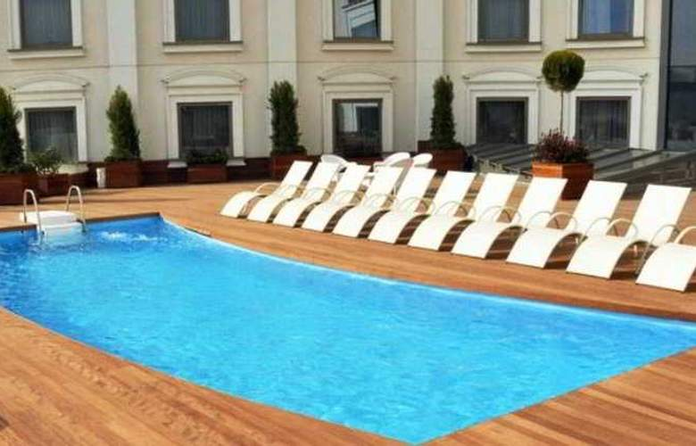 Limak Eurasia Luxury Hotel - Pool - 9