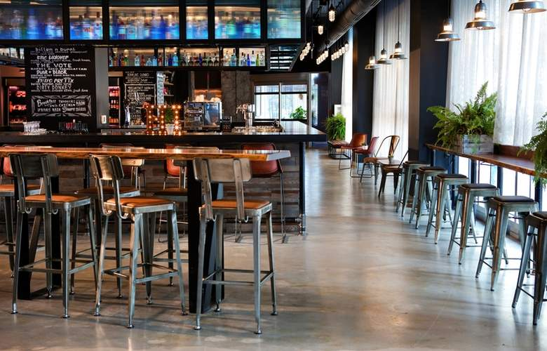 Moxy New Orleans Downtown/French Quarter Area - Bar - 3
